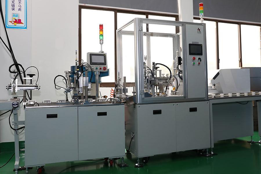 Glühlampenbestückungsmaschine2